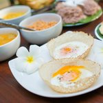 Sri Lankan breakfast of hoppers & string hoppers
