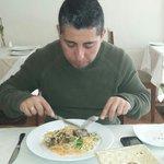 Disfrutando de la exquisita gastronomía