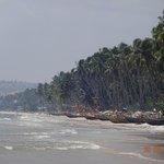Пляжная линия - лодки рыбацкие