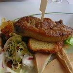 foie gras poélé avec sa petite salade
