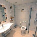 Cuarto de baño espacioso