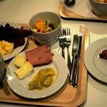 Завтрак в отеле (шведский стол)