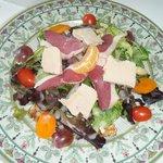 salade périgourdine au foie gras et magrets de canard
