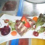 terrine de queue de boeuf au foie gras confiture d'oignons rouges