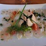 carpachio de st jacques et tuiles de foie gras