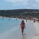 la spiaggia un po' affollata di agosto