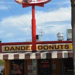 Dandee Donut Sign