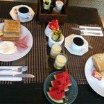 The set breakfast