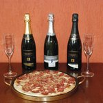 Experimente nossas pizzas com um bom vinho