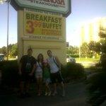entrada.. miren el precio del desayuno¡¡¡