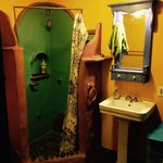 What a cool bathroom!!!
