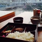 Breakfast overlooking the river and Skytree
