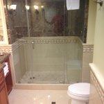 shower but no bath tub