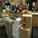 Des cartons des bouteilles un accueil chaleureux