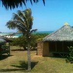Paz e praia que mais é uma piscina natural