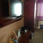 TV/Wardrobe