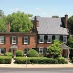 Historic Dinsmore House Inn in the Heart of Charlottesville
