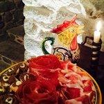 Piatto di Spek e Crudo con crostini Toscani