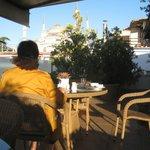 Roof garden @ breakfast, with Blue Mosque behind