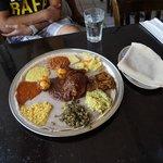 Foto de Meskerem Ethiopian Cuisine