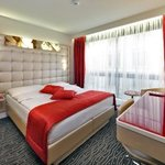 Queen Comfort Room