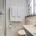 Bathroom Single Economy