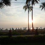 la spiaggia di fronte all'albergo