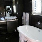 Thandi Room bath