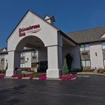 Schoenbrunn Inn And Suites