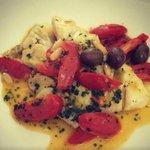 scaloppa di orata con pomodorini e olive taggiasche
