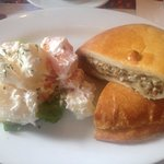 Amazing place for good comfort dinner food and a must have is the mushroom cheese and herb pie w