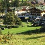 Gartenseite des Hotels Forsthofgut