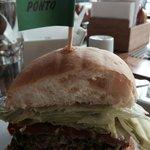 Hambúrguer Salada e Maionese Verde
