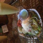 Ensalada - Salad. Mango juice