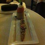 Mise en bouche : oeufs à la coq, homard sur lit de légumes