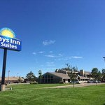 Welcome to the Days Inn & Suites Baxter Brainerd