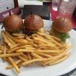 3 mini hamburger