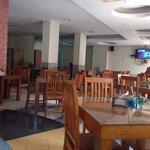 Tempat favorit utk makan khas manado utk breakfast ada Mie cakalang dan tinituan ,maincours nya