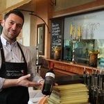 Giacomo freut sich, Sie in seinem Ristorante mit italienischen Köstlichkeiten verwöhnen zu dürfe