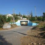 tunnel mellan strand och hotell