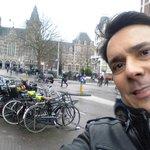 Encantado com Amsterdam e sua arquitetura alemã