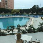 Apesar de o tempo não estar convidativo a um mergulho aconselho vivamente a vir a este hotel que