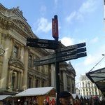 Bruxellas me surpreendeu, é uma cidade linda e vale a pena ficar pelo menos 1 dia, que dá para v
