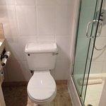 spacious bathroom.  8)