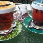 Herbaty: earl grey ze świeżym rozmarynem (wybrałam wersję bez słodkiego syropu z mirabelek) oraz