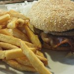 Double burger with fries €10.5