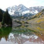 Scenic drive in Aspen. Maroon Lake