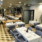 Breakfast hall + restaurant