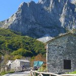 The nearby Apuane mountains