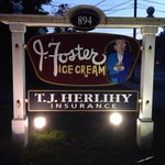 The sign to ice cream heaven!!!!